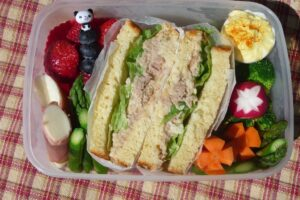 Tuna sandwich bento
