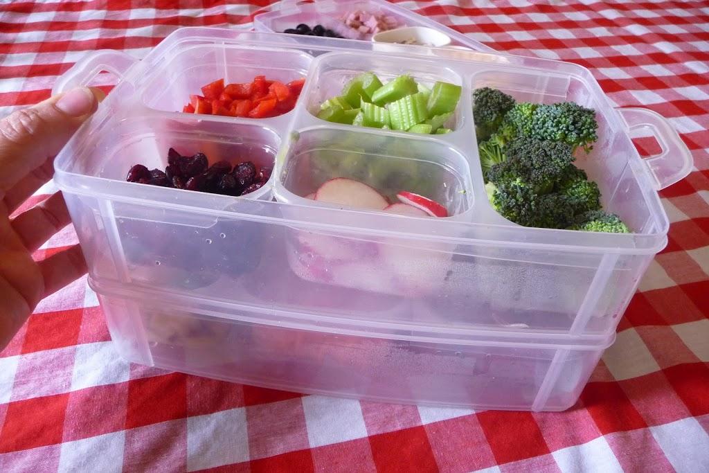 How to Make a Salad Bar Beneficial Bento