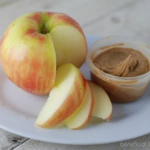 10  Healthy Snacks – 200 Calories or Less!