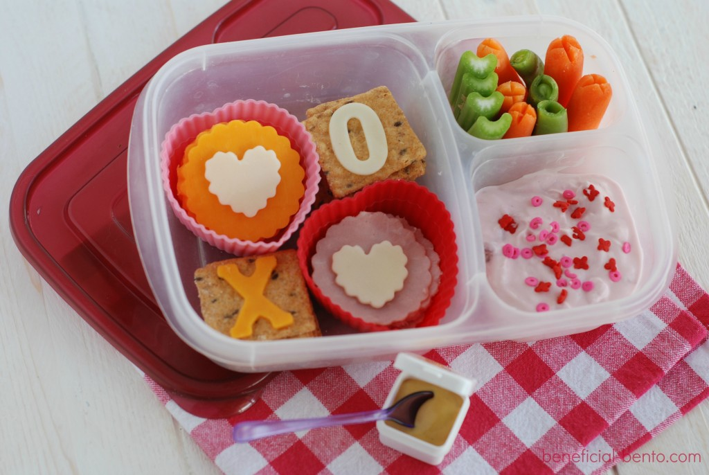 quick and easy way to add love to a lunch!