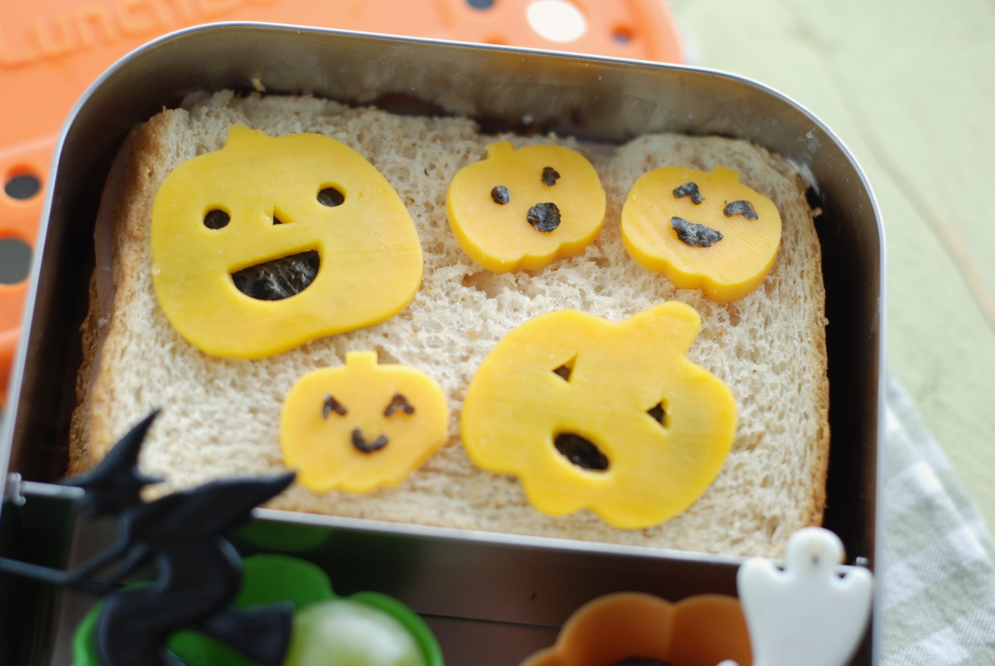 a simple bento for Halloween in LunchBots Duo
