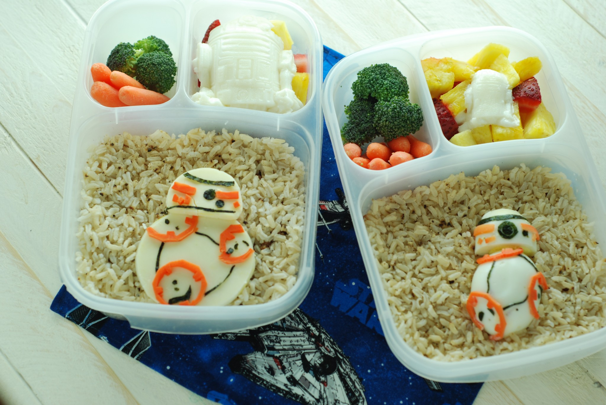 These BB-8 are made from cheese, nori, carrot, and boiled egg