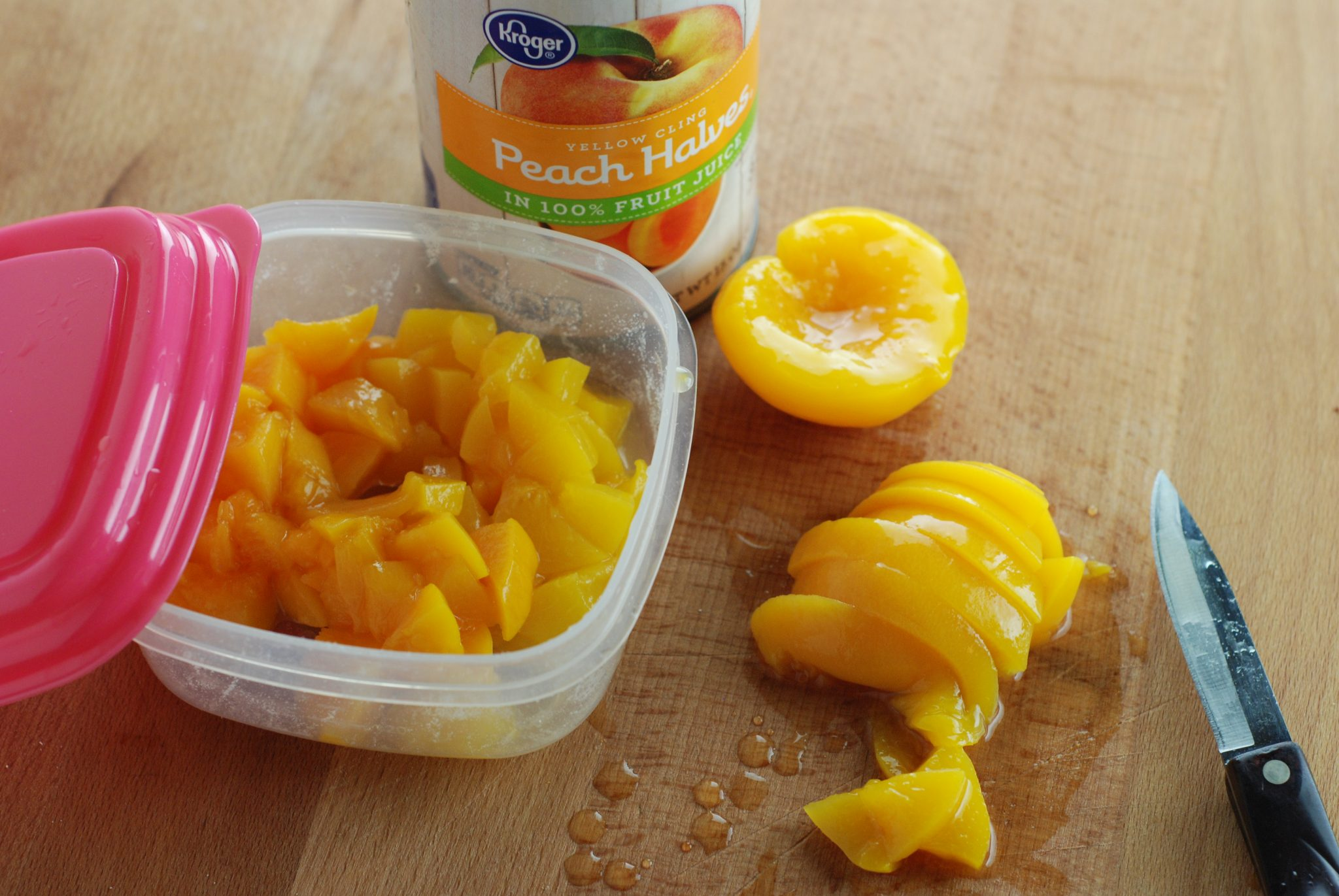 This is a picture of my healthy breakfast idea, Peach Instant Oatmeal. Recipe found at beneficial-bento.com