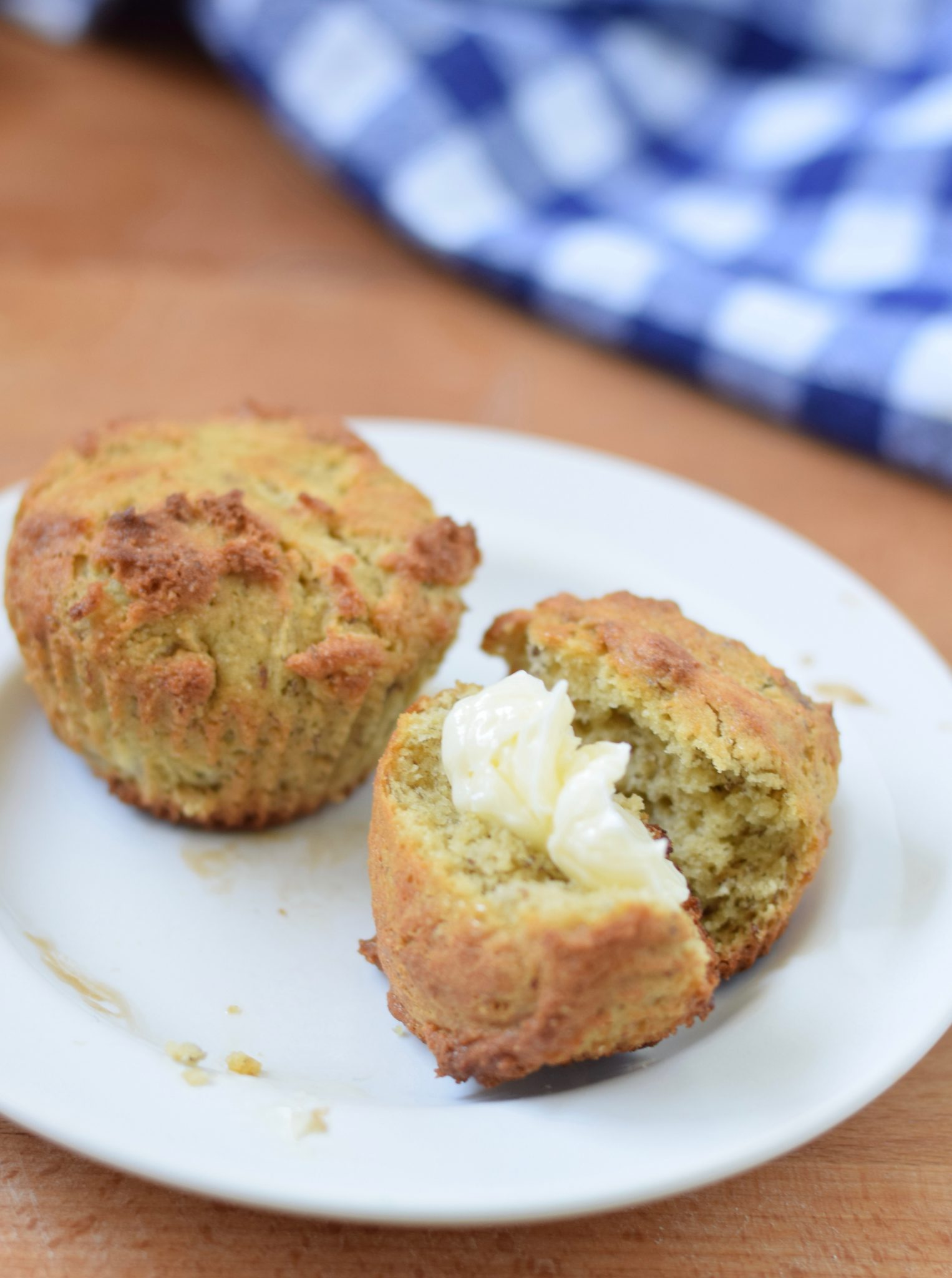 These gluten free banana muffins are easy to bake. Learn how at beneficial-bento.com